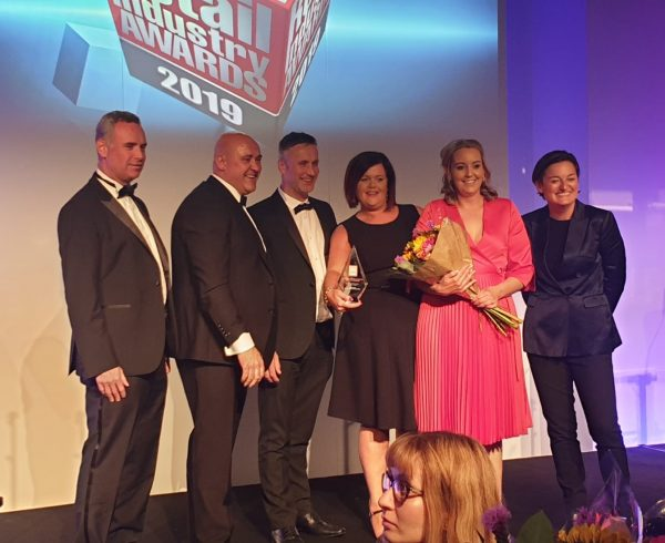 UK Retail Industry Awards image - Fintona Eurospar receiving award