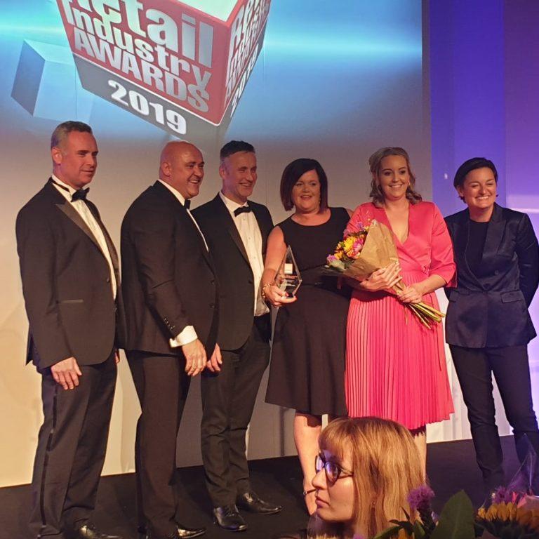 UK Retail Industry Awards image - Fintona Eurospar receiving award